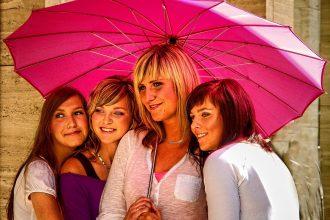 womens-group-735907_1280