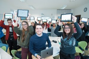 6_Davide Dal Maso mentre fa lezione in un Istituto professionale in provincia di Vicenza