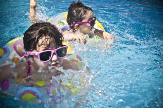 sunglasses-1284419_1920